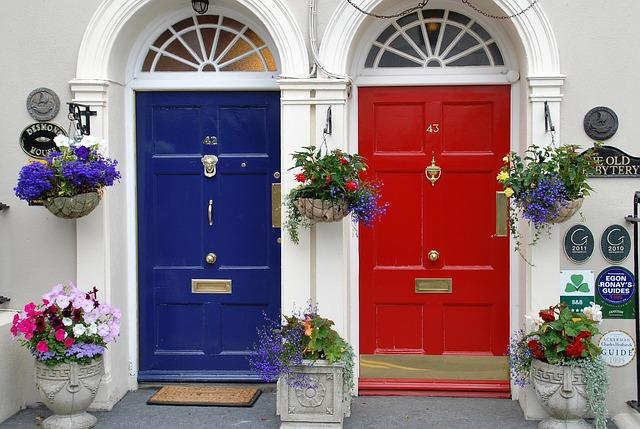 malowanie drzwi wewnętrznych i zewnętrznych