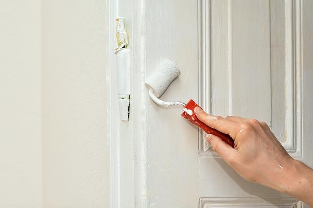 malowanie drzwi wewnętrzne