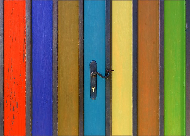 drzwi różne kolory
